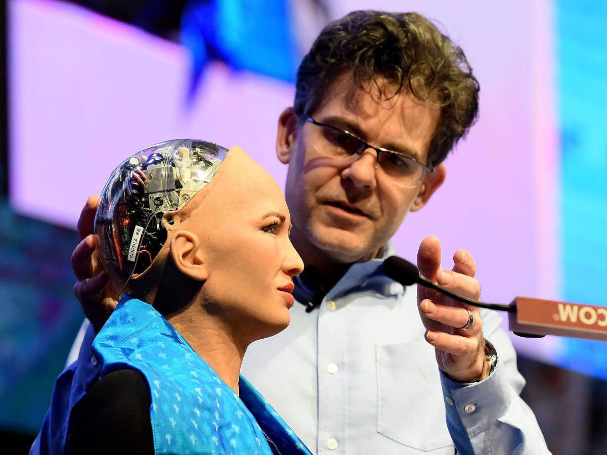 David Hanson Jr with his humanoid Sophia